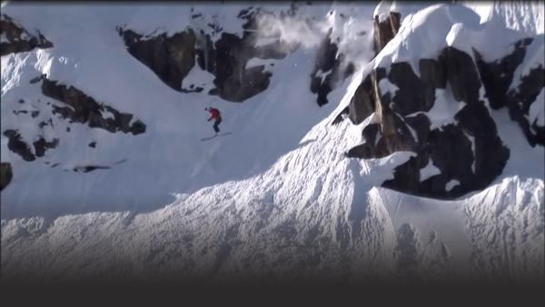 Extreme skier jumps off cliff