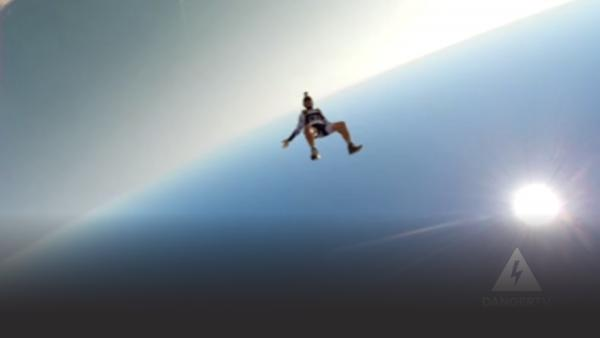 Parachutist in free fall