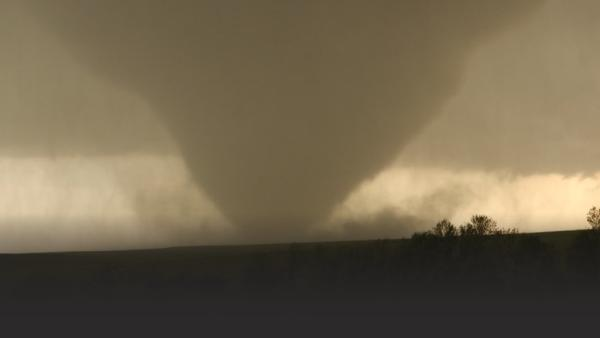 A super-cell twister tornado